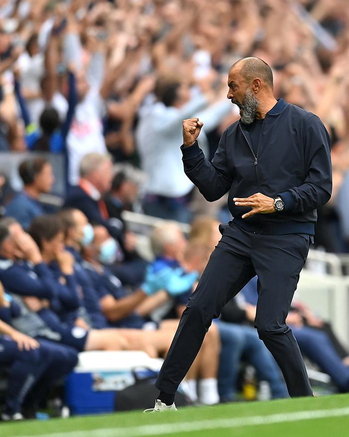 Nuno Espirito Santo, manajer Tottenham Hotspur melakukan selebrasi