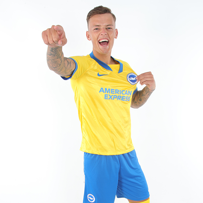 Pemain Brighton & Hove Albion Ben White diincar Arsenal
