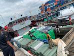 0204-kapal-bawa-tekstil-ilegal.jpg
