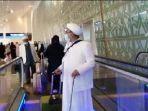 10112020_habib-rizieq-shihab-mendarat-di-bandara-soetta.jpg