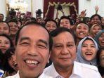 12102019_jokowi-dan-prabowo-selfie-bareng-di-istana-presiden.jpg