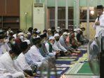 13042021rudi-tarawih-di-masjid-agung.jpg