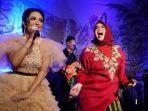14112020_krisdayanti-mengisi-acara-pernikahan-aqila-nadya-dan-omar-muhammad-sahar-di-makassar.jpg