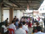 1703pedagang-pasar-bintan-centre.jpg