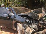 20072020mobil-ketua-dprd-kepri-kecelakaan-di-batam.jpg