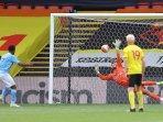 22072020-striker-manchester-city-raheem-sterling-gagal-mencetak-gol-penalti.jpg