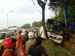 2412kecelakaan-bus-di-batam2.jpg