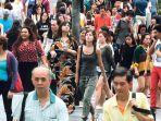 25092019-penduduk-singapura.jpg