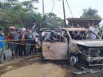 27082019_jenazah-dalam-mobil-terbakar.jpg