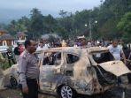 27082019_mayat-dalam-mobil-terbakar.jpg