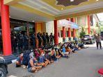65-orang-diamankan-di-kampung-narkoba.jpg
