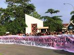 aksi-menentang-tindakan-teror-di-indonesia-oleh-civitas-akademika-politeknik-batam_20180514_171513.jpg