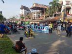aksi-pedagang-pasar-pagi_20180924_082621.jpg
