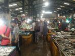 aktivitas-jual-beli-di-pasar-bintan-centre-tanjungpinang.jpg