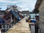 angin-kencang-rusak-rumah-warga-di-desa-penaah-lingga.jpg