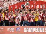 atletico-madrid-merayakan-trofi-juara-laliga-santander-liga-spanyol-2020-2021.jpg