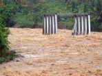 banjir-padang_20181102_230635.jpg