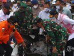 basarnas-evakuasi-65-kantong-jenazah-korban-sriwijaya-air-sj-182.jpg
