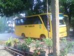 bus-sekolah-sudah-melayani-beberapa-desa-monggak-di-kecamatan-galang_20160315_111441.jpg