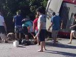 bus-yang-membawa-turis-di-meksiko-terbalik_20171220_100352.jpg