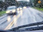 cek-mobil-saat-musim-hujan.jpg