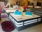contoh-spring-bed-di-kepri-furniture-yang-beralamat-di-ruko-kepri-mall_20160115_153121.jpg