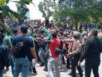 demo-mahasiswa-menolak-omnibus-law-di-batam.jpg