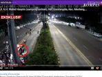 detik-detik-video-cctv-diduga-perusuh-aksi-22-mei-turun-dari-mobil-ambulance.jpg
