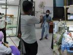 foto-seorang-keluarga-pasien-marahi-perawat-rsud-pirngadi-medan.jpg