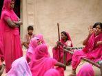 geng-gulabi-di-india-menggunakan-tongkat-atau-pentungan_20170503_143653.jpg