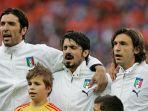 gianluigi-buffon-gennaro-gattuso-dan-andrea-pirlo-saat-bermain-untuk-timnas-italia.jpg