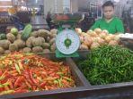 harga-sayur-bayam-di-pasar-botania-masih-tinggi-1.jpg