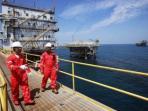 ilustrasi-pekerja-minyak-dan-gas_20160216_110855.jpg
