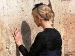 ivanka-trump-di-tembok-ratapan-yerusalem_20180514_143951.jpg