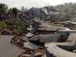 jalan-rusak-tsunami_20180929_154724.jpg