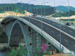 jembatan-v-barelang-atau-yang-dikenal-dengan-nama-jembatan-tuanku-tambusai.jpg