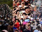 jutaan-warga-china-berbondong-bondong-keluar-rumah-saat-liburan-may-day-selama-5-hari.jpg