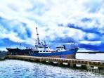 kapal-sandar-di-pelabuhan-penagi-ranai-natuna-kepri.jpg