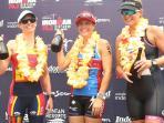 kate-bevilaqua-berfoto-bersama-juara-2-dan-3-di-podium_20160828_202248.jpg