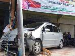 kecelakaan-mobil-honda-jazz_20171113_180543.jpg