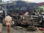 kecelakan-terjadi-antara-truk-dengan-bus-langsung-jaya-di-jalan-lintas-sumatera.jpg