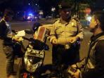 kegiatan-operasi-cipta-kondisi-yang-digelar-aparat-kepolisian_20160605_122032.jpg