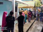 keluarga-korban-kecelakaan-laut-kapal-puskel-di-tarempa_20181012_082516.jpg