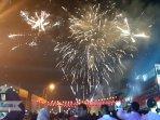kembang-api-dan-suasana-malam-tahun-baru-china-di-nagoya.jpg