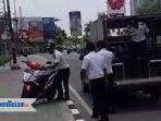 kendaraan-yang-dibawa-dishub-batam-karena-parkir-di-trotoar_20181001_123746.jpg