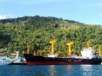 km-caraka-jaya-niaga-iii-4-tol-laut-saat-berlabuh-di-pelabuhan-tarempa_20160201_142642.jpg