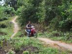 kondisi-jalan-di-desa-rekam-kecamatan-siantan-anambas_20160617_161728.jpg