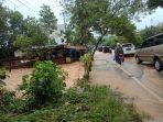 kondisi-jalan-di-kilometer-8-atas-tanjungpinang-banjir.jpg