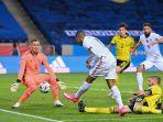 kylian-mbappe-mencetak-gol-kemenangan-perancis-atas-swedia.jpg