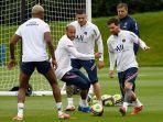 lionel-messi-berlatih-dengan-neymar-mauro-icardi-jelang-pertandingan-melawan-brest.jpg